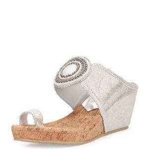 Donald Pliner Gaya Toe Ring Wedge 5.5